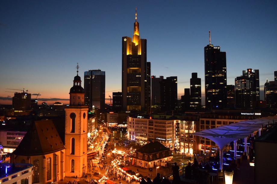 Skyline de Frankfurt desde las galerias Kaufhof