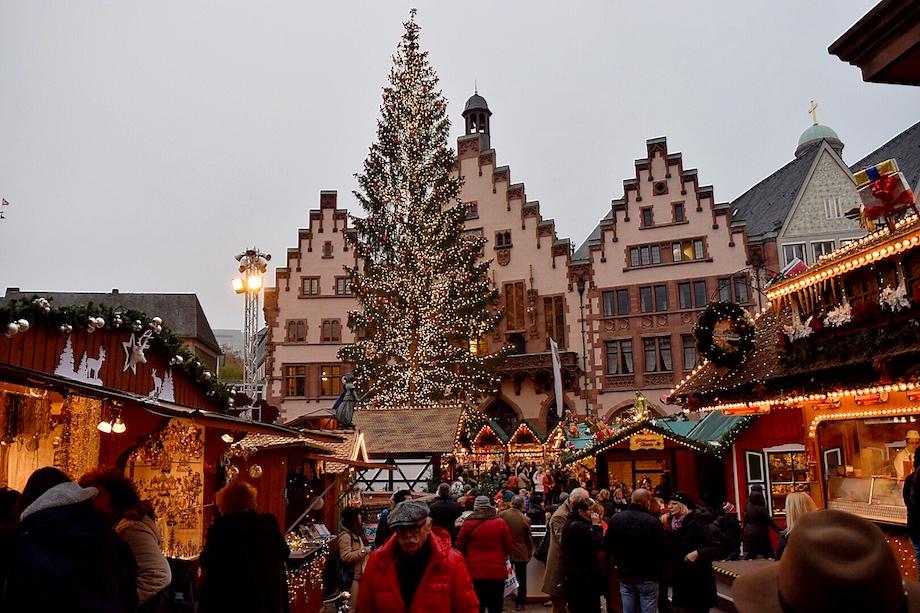 Mercado de Navidad de Frankfurt, plaza Römerberg