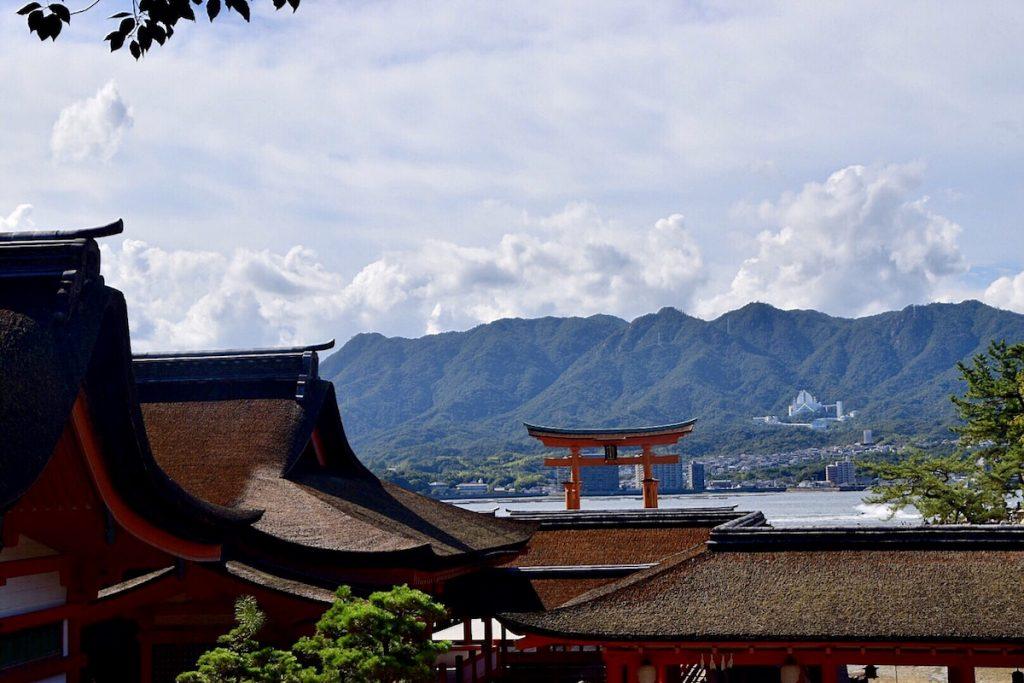 Templo Itsukishima y Torii