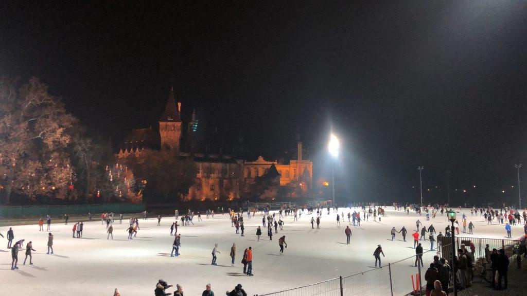 Pista de patinaje sobre hielo Budapest
